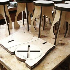 Very cool stool laser cut plywood Folding Furniture, Folding Stool, Smart Furniture, Plywood Furniture, Plywood Chair, Furniture Market, Furniture Showroom, Bedroom Furniture, Cnc Projects