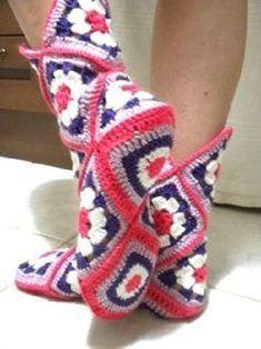 Diy Crafts - Transcendent Crochet a Solid Granny Square Ideas. Inconceivable Crochet a Solid Granny Square Ideas. Granny Square Slippers, Granny Square Häkelanleitung, Granny Square Crochet Pattern, Crochet Squares, Crochet Granny, Easy Crochet, Crochet Slipper Boots, Crochet Slipper Pattern, Knitted Slippers