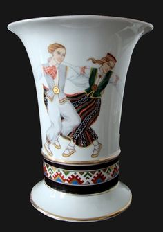 """Playing, dancing... (from the archive of gallery) N. Boiko painting A / S """"M. S. Kuznetsov """"porcelain and earthenware products factory (1934.-1940.), porcelain, h 22 cm, diam. 18 cm"""