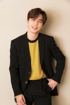Yoo Seung Ho (character, one of the surgeons? Yoo Seung Ho, Korean Star, Korean Men, Asian Men, Kim Myungsoo, Handsome Korean Actors, Child Actors, Cha Eun Woo, Kdrama Actors