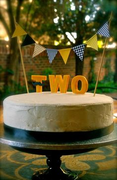 2nd Anniversary Celebration Cake in classic French Vanilla Sponge & Buttercream Frosting. Photography: Cleo Junius Cake baked by: Cupcake Columbia
