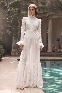 Zimmermann Resort 2020 Fashion Show Collection: See the complete Zimmermann Resort 2020 collection. Look 31 Fashion Week, Fashion 2020, Fashion Show, Lace Wedding Dress, Wedding Dresses, Floral Bridesmaid Dresses, Mein Style, Mode Chic, Embroidered Silk