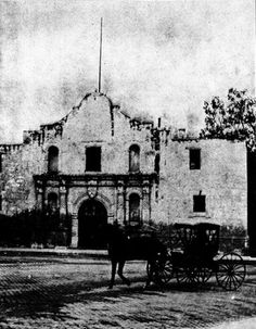 The Battle of the Alamo is one of the most famous battles in American military history, even moreso because it was a horrendous defeat. Old Pictures, Old Photos, Alamo San Antonio, Republic Of Texas, Loving Texas, Texas History, Texas Homes, The Old Days, Winter House