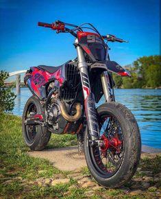 Motorcycle Events, Motorcycle Dirt Bike, Pit Bike, Motard Bikes, Ktm Dirt Bikes, Cars Motorcycles, Motorcross Bike, Suzuki Cafe Racer, Dirtbikes