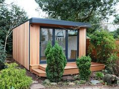 abri de jardin en bois et métal de design contemporain