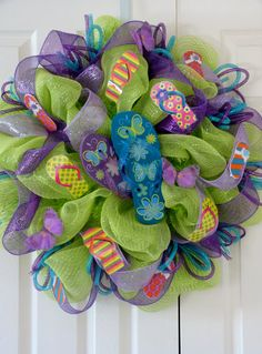 Flip Flop Wreath! I have gotta make one of these! I'm thinking red/white/blue for Memorial day