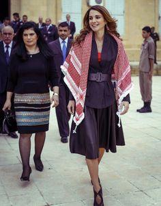 Rania de Jordania, la elegancia árabe de una reina que lucha por la educación de los niños #realeza