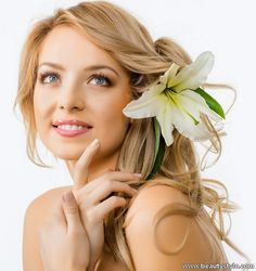 These simple and amazing natural skin care tips for face whitening do wonders with your beauty and you get an attractive as well as gorgeous skin. Natural Skin Whitening, Natural Skin Care, Routine, Skin Lightening Cream, Dry Skin On Face, Lighten Skin, Pole Dancing, Top, Flowers