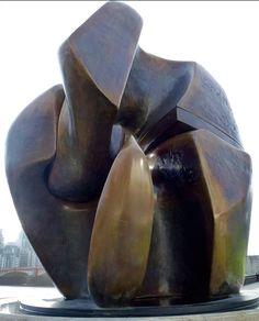 Joseph Abhar - Henry Moore, Monumentraider, Locking Piece (1964)