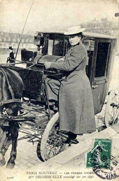 Les Femmes Cocher – The Coachwomen of Paris Paris Vintage, Old Paris, Francia Paris, Paris France, Old Pictures, Old Photos, Eugene Atget, French History, Robert Doisneau