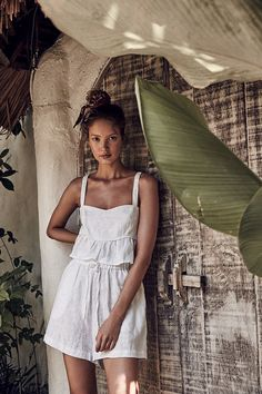 ROWIE is an independent fashion label based in sunny Byron Bay, Australia. Discover our range of women's wear with a focus on natural fibres with minimal and timeless styling. Boho Fashion, Womens Fashion, Fashion Design, High Fashion Trends, Summer Outfits, Cute Outfits, Fashion Lookbook, Fashion 2020, Vestidos