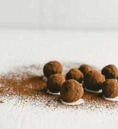 Truffes aux p'tits pois (sans gluten) : un mélange de chocolat et de purée de petits pois ! Tiré du livre Desserts santé pour dents sucrées 2