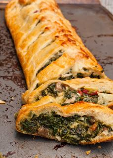 Tuscan Artichoke and Spinach Strudel. Awesome but made too much to put in strudel - enough stuffing for two! Italian Recipes, Great Recipes, Favorite Recipes, Vegetarian Recipes, Cooking Recipes, Healthy Recipes, Food Porn, Gula, Quiches