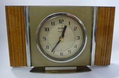 Vintage Retro Metamic Quartz Mantle Clock - Working. Find this and more treasures in the hospice's eBay shop: www.shopatstfrancis.co.uk.