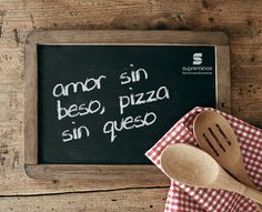Love without kiss is like pizza without cheesse ; Pizza Truck, I Love Pizza, Food Quotes, Kitchenware, Happiness Recipe, Restaurant, Homemade, Happy, Recipes