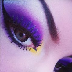 Bold and beautiful Sugarpill eyes by Roseshock! She used Poison Plum, Dollipop and Buttercupcake. Pretty!