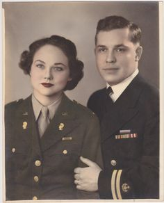 WW2 WAC and Navy couple