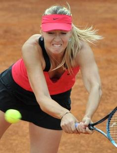 Defending champion Maria Sharapova shattered hopes of a Williams sisters  double act at the Rome International by breezing past Venus Williams  6-4, 6-3 to reach the semi-finals.