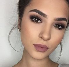 simple makeup look for your everyday- love this eyeshadow mix!