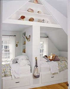 Double bed nook in beach home by Laura Davidson, Dwellings. home decor and interior decorating ideas. Bed Nook, Cozy Nook, Alcove Bed, Cozy Bed, Bunk Rooms, Dorm Rooms, Home Bedroom, Attic Bedrooms, Extra Bedroom