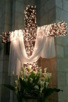 Church Christmas Decorations Ideas and Images Home or Church, Christmas celebrations seem to revolve around the adornments. Meaning, time for us to let the creative juices flow. Church Altar Decorations, Church Christmas Decorations, Christmas Stage, All Things Christmas, Christmas Tree Cross, Cross Decorations, Backdrop Decorations, Christmas 2019, White Christmas
