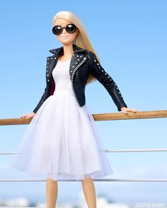 barbie style / Style tip: toughen up your tulle with an edgy leather jacket! Barbie Style, Barbie Model, Doll Clothes Barbie, Barbie Dress, Moda Barbie, Fashion Dolls, Fashion Dresses, Barbie Fashionista Dolls, Barbie Life