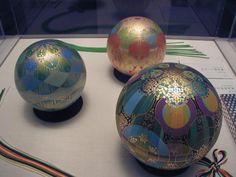 イメージ 2 Glass Marbles, Japan Art, Lampwork Beads, Creative Inspiration, Decorative Accessories, Packaging Design, Glass Art, Pottery, Japanese