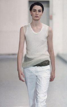Helmut Lang Spring 1998 Ready-to-Wear Fashion Show Collection 2000s Fashion, Fashion 2020, Fashion Models, Fashion Show, Fashion Design, Fashion History, Fashion Brands, High Fashion, Helmut Lang