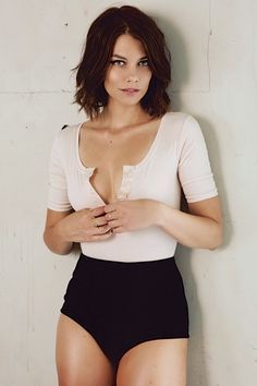 "Lauren Cohan aka Walking Dead's ""Maggie"" rocks amazing short hair with her wavy bob"