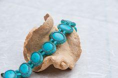 Armband mit Howlith Steinen