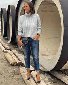 View all pictures, buttons and outfits from Tanja Jager ( on 21 Buttons Fall Wardrobe Essentials, Capsule Wardrobe, Hot Fall Outfits, Casual Outfits, Mode Outfits, Fashion Outfits, Womens Fashion, Smart Outfit, Advanced Style