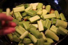rebarbora koláč Ale, Vegetables, Recipes, Food, Basket, Ale Beer, Essen, Vegetable Recipes, Eten