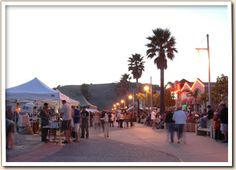 Avila Beach    Fish and Farmers Market on Friday evening in the summer
