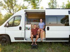 Hur är livet i en egenbyggd husbil? Reser, Campervan, Devon, Product Design