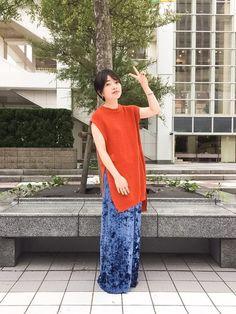 綺麗な色のニットベスト と YOSHIYOのベロアパンツ 秋の入り口だからできるコーデ☺️�
