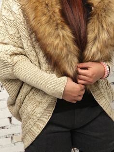 Beige Cable Cardigan With Removable Faux Fur Collar | abaday