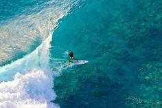 Photographer: Ben Thouard / Athlete: Manu Bouvet / Location: Tuamotus, French Polynesia (© Ben Thouard/Red Bull Illume)