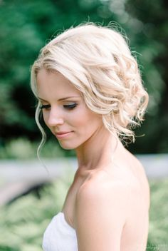 Bridal hair style by Michelle Lange Photography