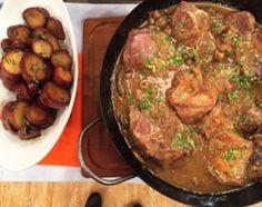Bondiola a la cerveza al disco con batata salteadas / Cocineros Argentinos / Recetas / Carnes