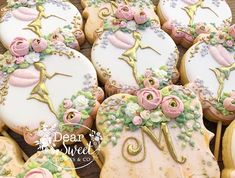 "Let's talk about the towers of ""Tangled""! My client was so sweet he just had one special request ! He wanted some of my sugar flowers on… Garden Birthday, Fairy Birthday Party, 15th Birthday, Birthday Parties, Baby Girl First Birthday, Cookie Pops, Sweet Cookies, Sugar Flowers, Cookie Decorating"