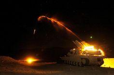ABV(アサルト・ブリーチャー・ビーグル)とは米国のM1戦車をベースとして製造された地雷除去車両。主武装に「M58 MICLIC(地雷除去爆薬線)」なる兵器を搭載。これをロケットで射出して広い範囲での地雷処分を行なう。