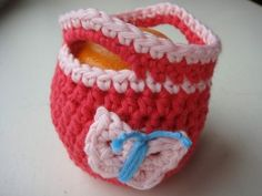 Apple Cozy Pattern - with butterfly or flower, handles or button (written in British crochet terms)