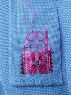 Love this pattern Wool Embroidery, Cross Stitch Embroidery, Embroidery Patterns, Cross Stitch Designs, Cross Stitch Patterns, Palestinian Embroidery, Cross Stitch Rose, Straight Stitch, Pink Tone