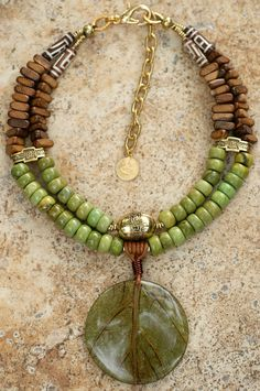 Coconut Leaf Necklace | green turquoise, wood, carved bone, … | Flickr