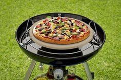 Gek op barbecueën en pizza? Dan kan je deze twee combineren met deze handige pizza steen voor op de barbecue. >> http://www.kampeerwereld.nl/cadac-pizza-steen/