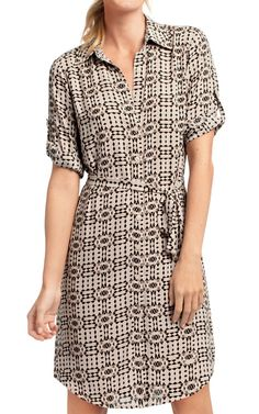 I own this and LOVE it, wear it all the time. Super lightweight and comfortable, works with the collar and leggings.