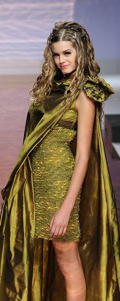 Tony Ward Fall-winter 2005-2006 - Couture - http://www.orientpalms.com/tony-ward,589