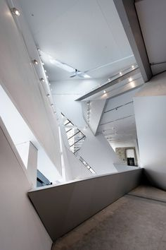 Royal Ontario Museum by Studio Daniel Libeskind