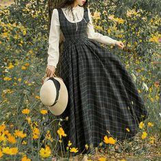Pretty Outfits, Pretty Dresses, Beautiful Dresses, Vintage Dresses, Vintage Outfits, Vintage Fashion, Victorian Fashion, Vintage Style, Old Fashion Dresses