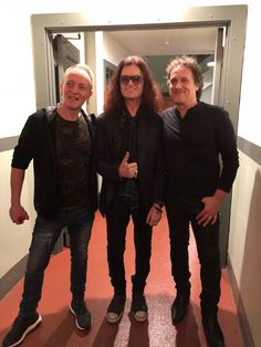 With dear mates for 30 years, Phil Collen and Vivian Campbell at Satch's G3 LA show 1/19/18 ✌️